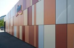 Neugestaltung der Fassade des dm Drogeriemarktes Bruchsal durch LAY InnenArchitekten.ruchsal