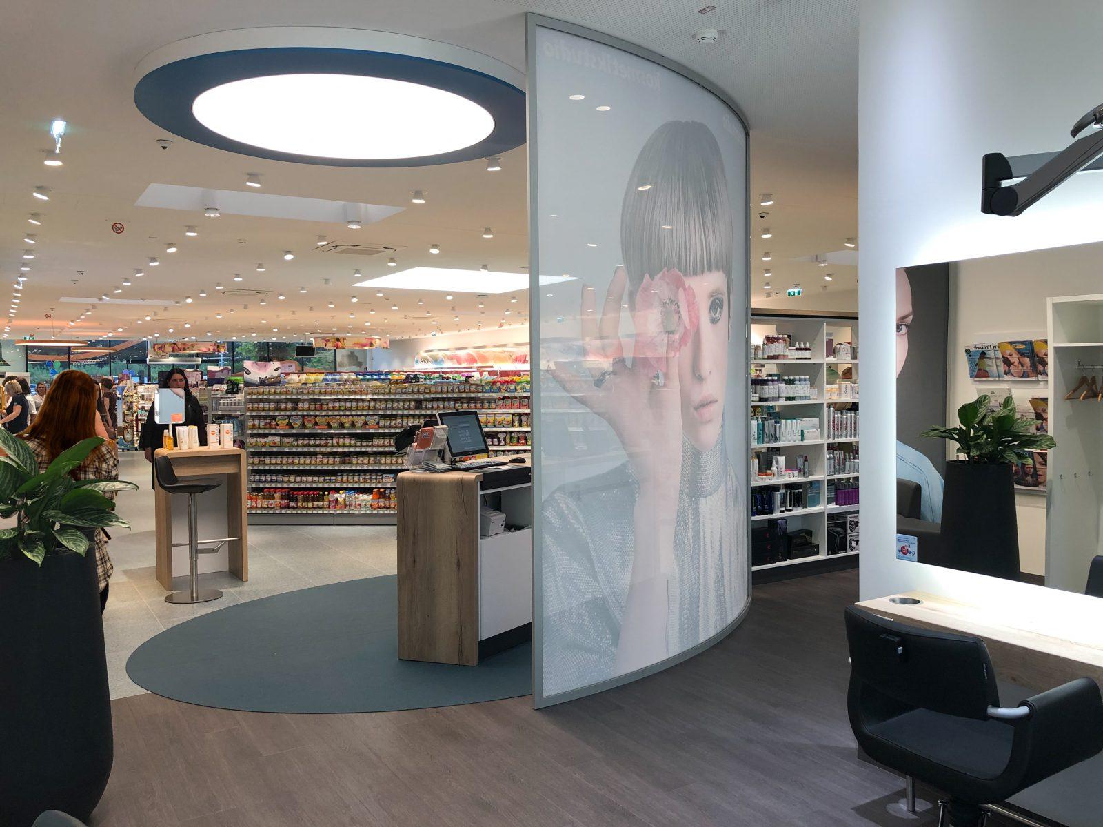 dm Kosmetik-Studio in Oesterreich im Design von LAY Innen Architekten Muenchen